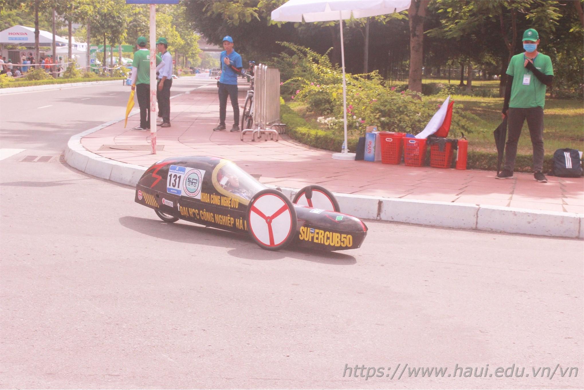 Super Cup 50 lướt nhẹ như bay trên đường đua