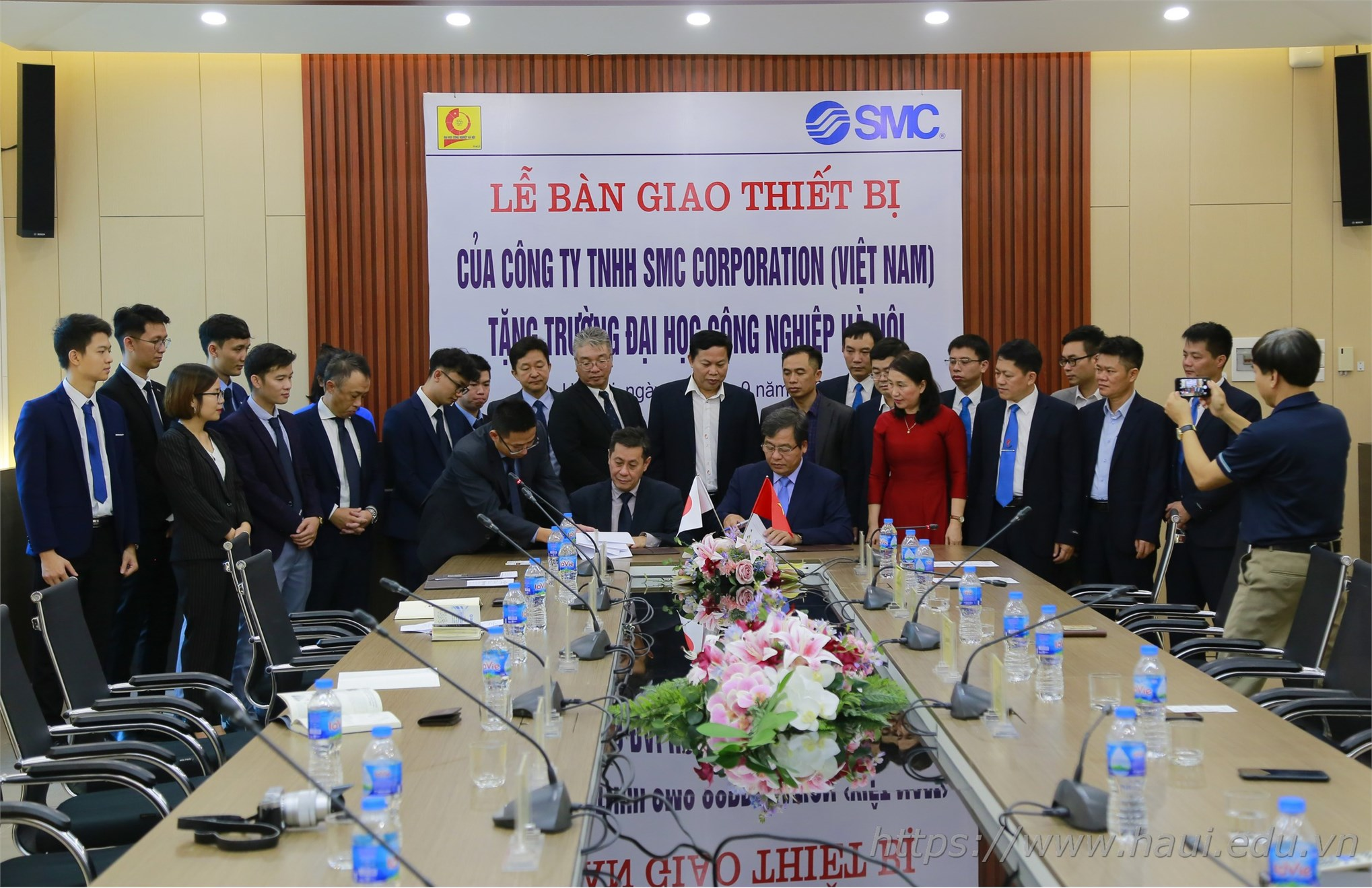 Đại học Công nghiệp Hà Nội nhận tài trợ thiết bị Phòng thực hành SMC Automation Lab