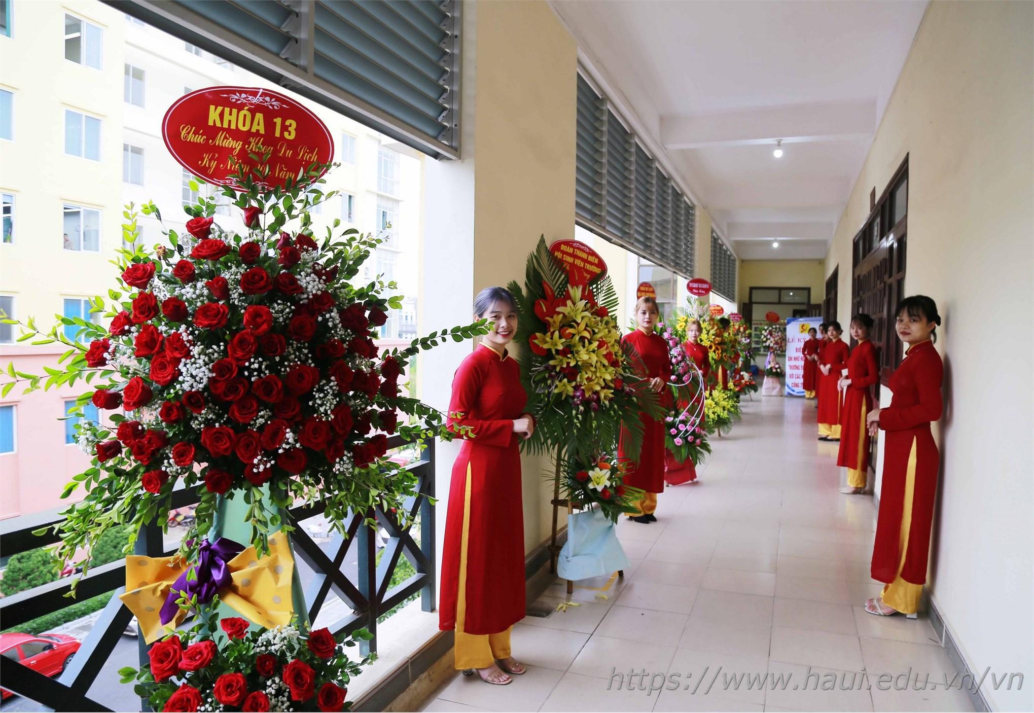 Kỷ niệm 20 năm ngày truyền thống khoa Du lịch
