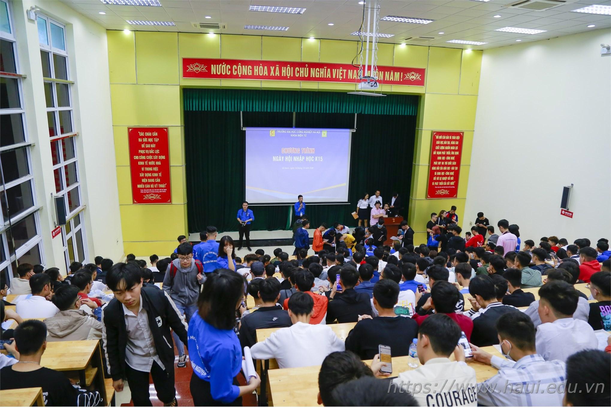 Over 7,000 freshmen join Hanoi University of Industry