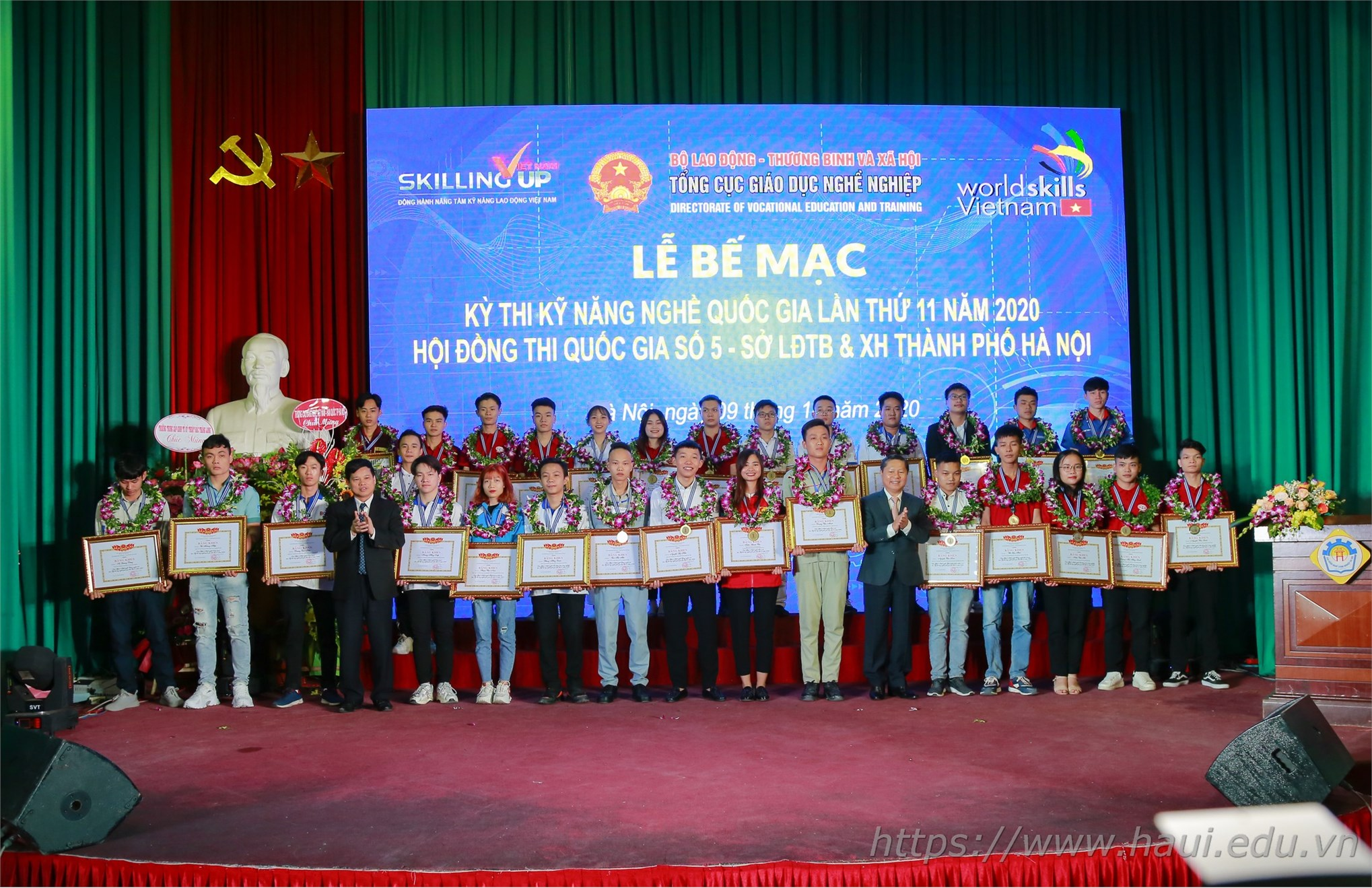 HaUI students won 4 Gold Medals at the National Vocational Skills Competition 2020