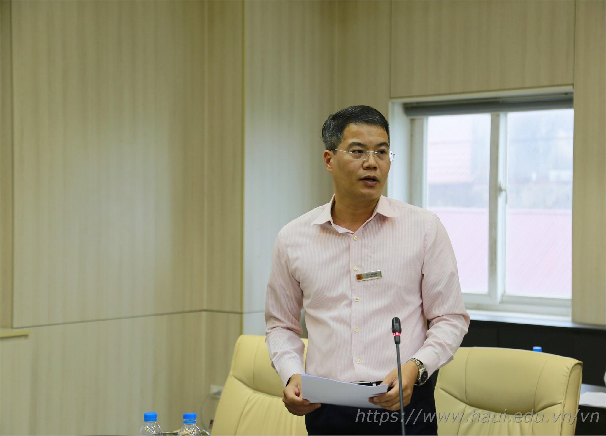 Đồng chí Lê Việt Anh - Giám đốc Trung tâm Hợp tác quốc tế cho biết sẽ phối hợp chặt chẽ với các đơn vị chức năng trong nhà trường trong công tác quản lý, đảm bảo ANTT cho lưu học sinh, du học sinh đang học tập tại ĐHCNHN