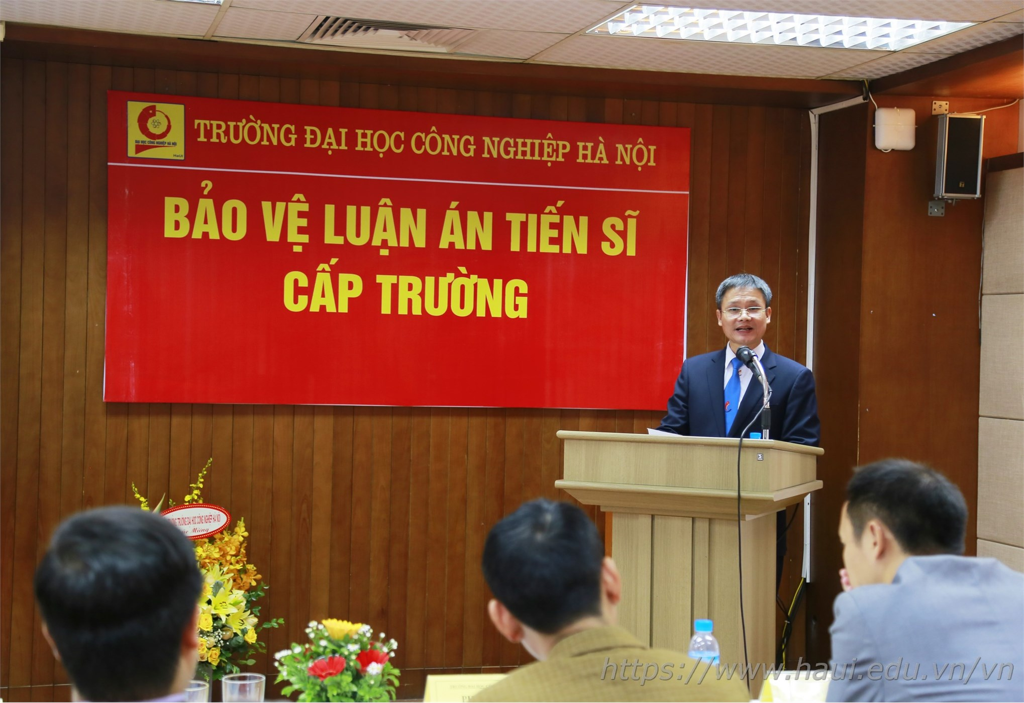 Bảo vệ Luận án Tiến sĩ cấp trường của Nghiên cứu sinh Nguyễn Văn Đức - chuyên ngành Kỹ thuật Cơ khí