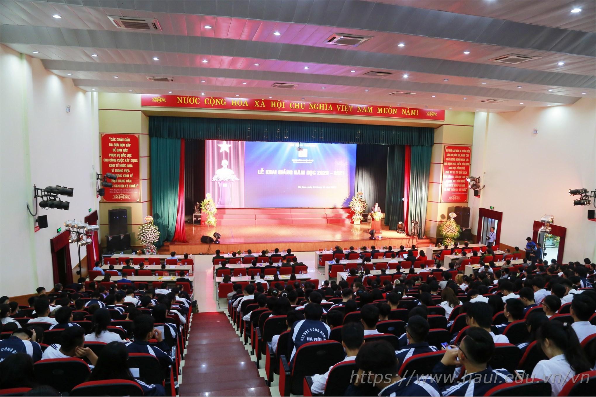 Toàn cảnh Lễ khai giảng năm học 2020 - 2021 của Đại học Công nghiệp Hà Nội