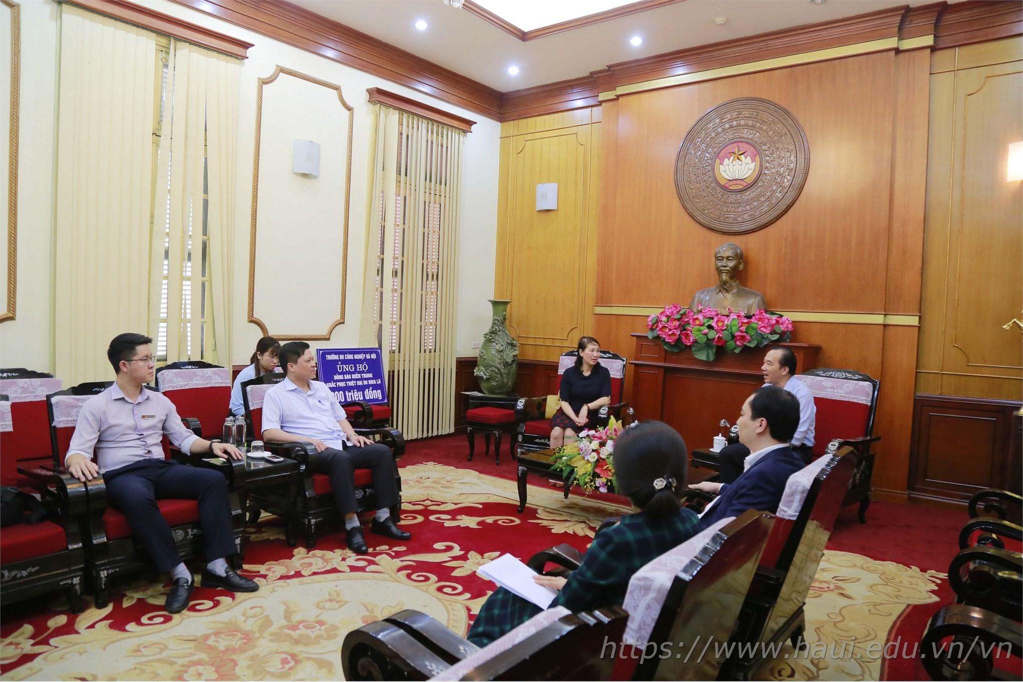 Đại học Công nghiệp Hà Nội ủng hộ 200 triệu cho đồng bào miền Trung khắc phục thiệt hại do mưa lũ