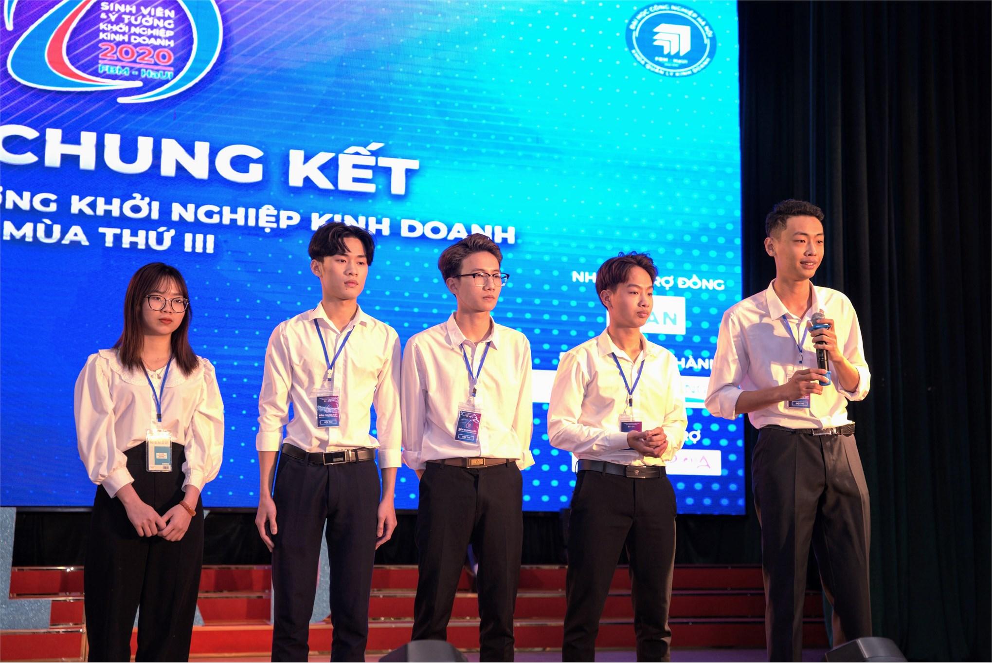 """Đội thi """"Sắc màu"""" xuất sắc giành giải nhất cuộc thi """"Sinh viên và ý tưởng khởi nghiệp"""" năm 2020"""