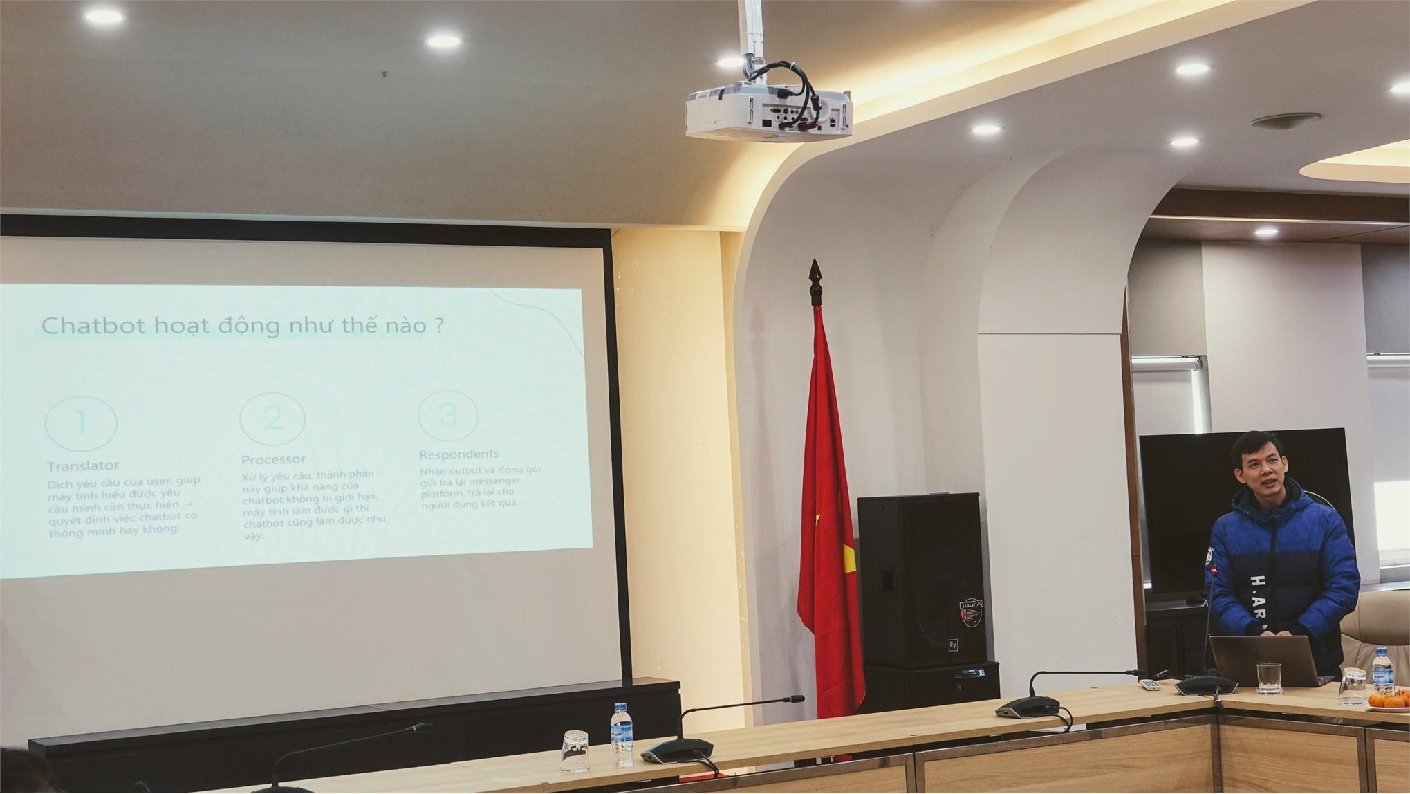 Hội thảo khoa Công nghệ thông tin năm 2020 với chủ đề `Chuyển đổi số trong phát triển trường đại học thông minh`