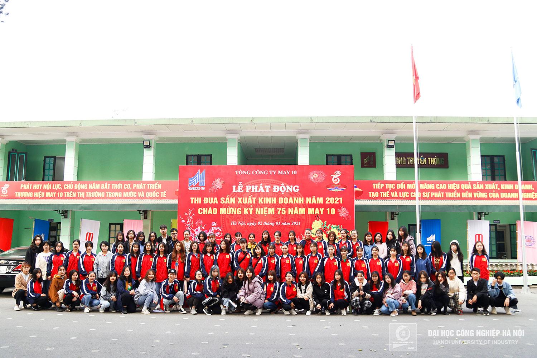 Sinh viên Trường Đại học Công nghiệp Hà Nội tham quan Tổng công ty May 10