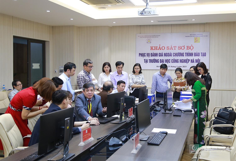 Khảo sát đánh giá ngoài chương trình đào tạo 2 ngành Công nghệ Thông tin và Ngôn ngữ Anh