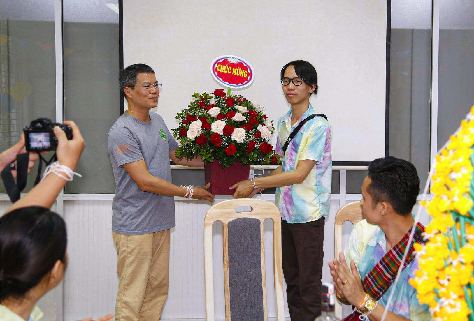 Lưu học sinh Lào vui tết cổ truyền tại trường Đại học Công nghiệp Hà Nội