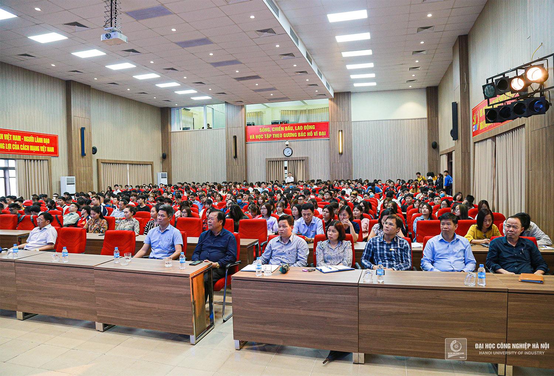 Hội nghị Lớp trưởng, Bí thư chi đoàn và tuyên truyền công tác bầu cử đại biểu Quốc hội khoá XV và HĐND các cấp nhiệm kỳ 2021 - 2026