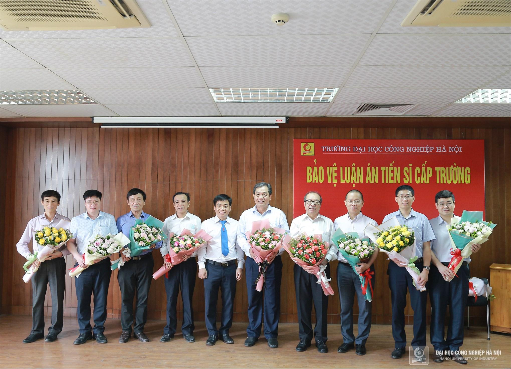 Nghiên cứu sinh Nguyễn Trọng Mai bảo vệ thành công Luận án TS cấp trường