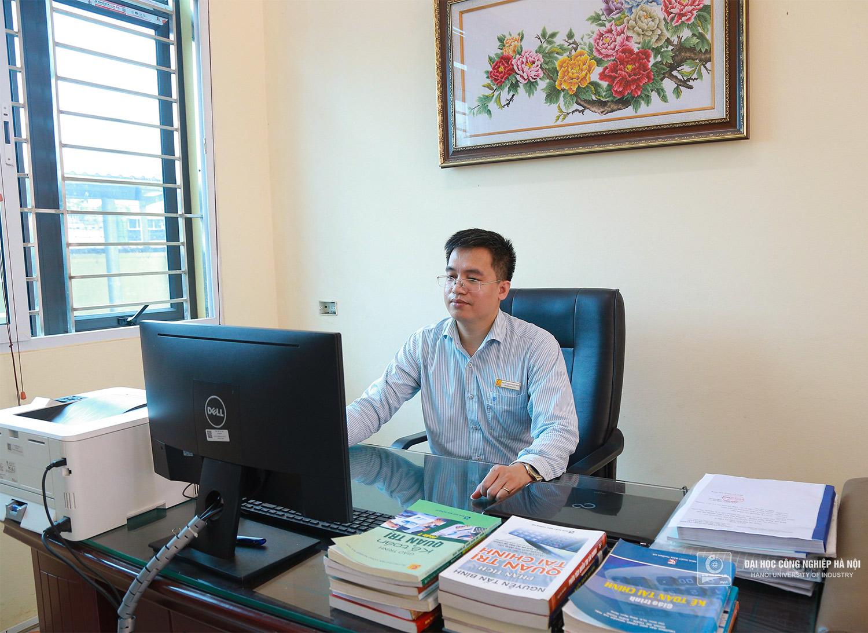PGS.TS. Đặng Ngọc Hùng, tác giả của trên 30 bài báo quốc tế