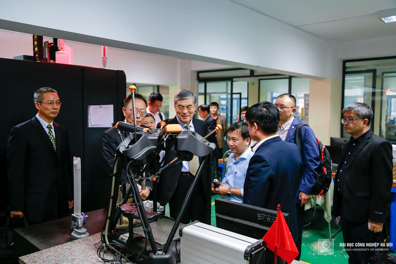 máy đo tự động EQUATOR 300 của hãng Renishaw Mỹ
