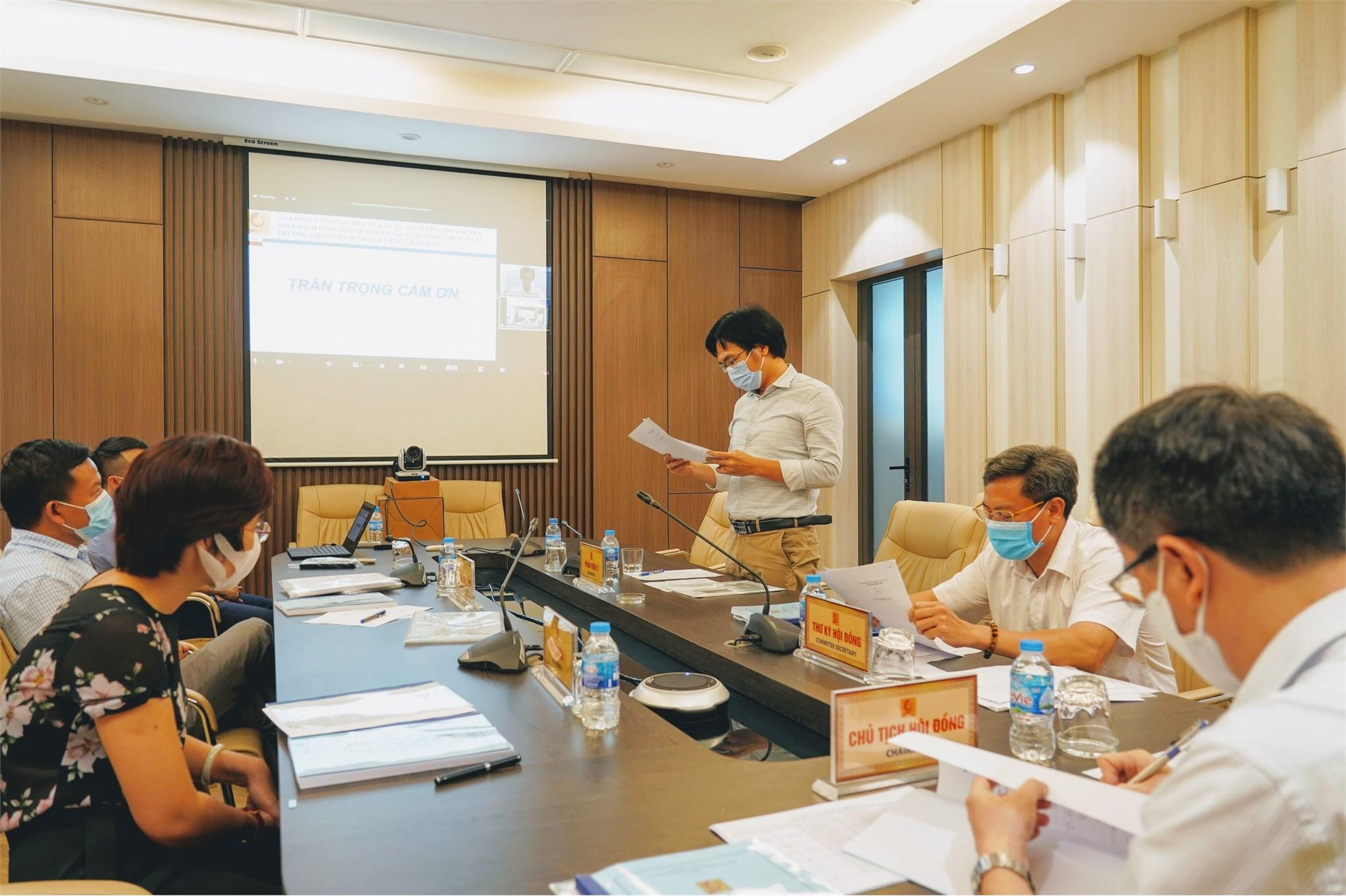 Hội đồng đánh giá luận văn thạc sĩ đã kết luận các học viên đã bảo vệ thành công luận văn