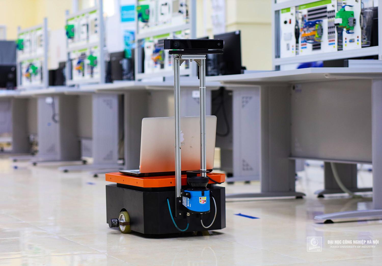 Nghiên cứu phương pháp tổng hợp dữ liệu đa cảm biến cho robot di động