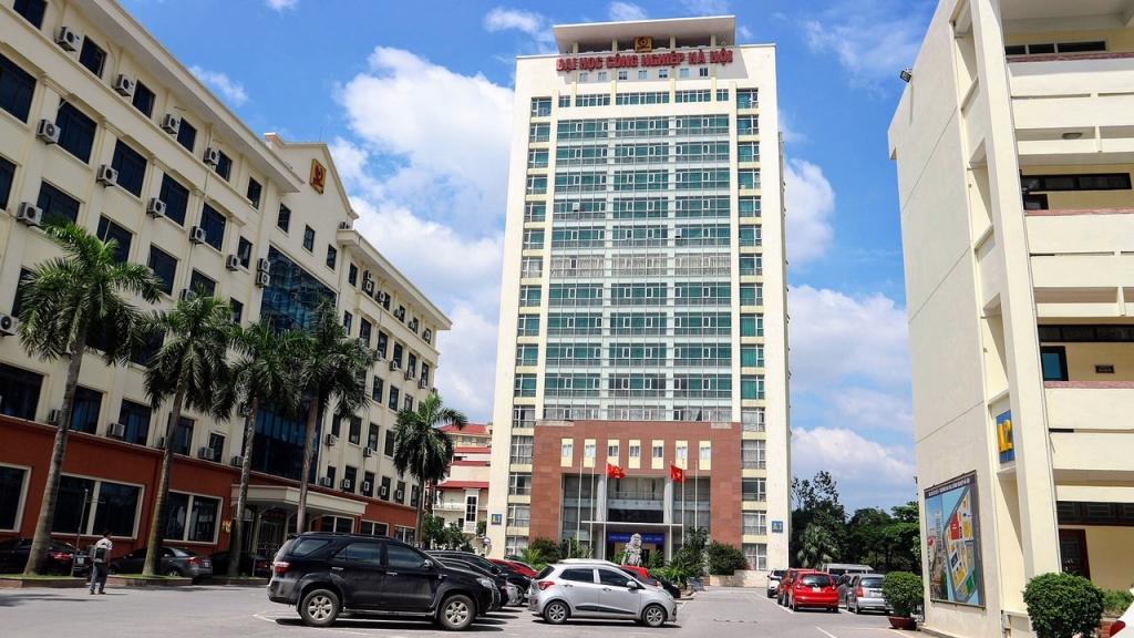 Năm học 2021, Đại học Công nghiệp Hà Nội không tăng học phí đối với nghiên cứu sinh, học viên cao học, sinh viên