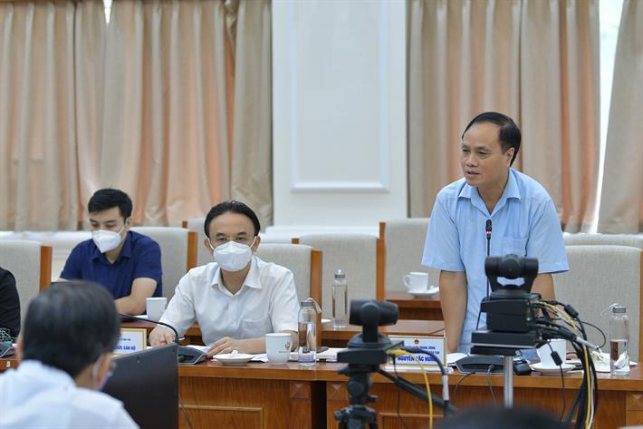 Ông Nguyễn Đắc Hưng, Vụ trưởng Vụ Giáo dục và Đào tạo, Dạy nghề, Ban Tuyên giáo Trung ương phát biểu thảo luận tại Hội nghị