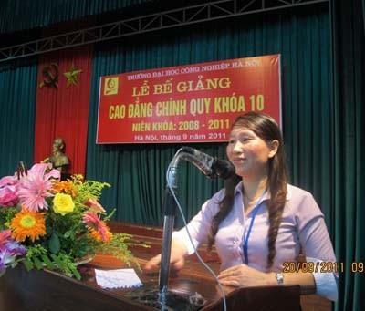 Tổ chức bế giảng cho sinh viên Cao đẳng khóa 10