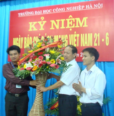 Gặp mặt Hội đồng biên tập tạp chí Khoa học và Công nghệ nhân kỷ niệm 86 năm ngày Báo chí cách mạng Việt Nam