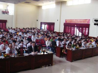 Công ty DENSO Việt Nam tổ chức trao học bổng cho sinh viên xuất sắc