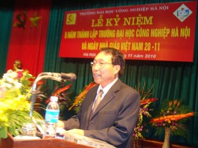 Mít tinh kỷ niệm 5 năm ngày thành lập trường Đại học Công nghiệp Hà Nội và chào mừng ngày nhà giáo Việt Nam 20/11