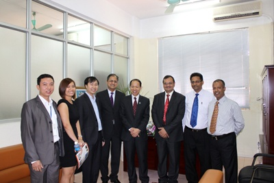 Lãnh đạo cấp cao tập đoàn Aptech Ấn độ thăm và làm việc với trường