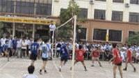 Giao hữu bóng chuyền giữa học sinh, sinh viên Ký túc xá khu A và khu B