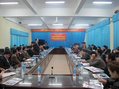 Đoàn cán bộ, giáo viên trường Cao đẳng Sơn La đến thăm và làm việc với trường
