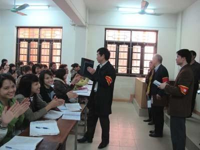 Hoạt động 5S tháng 02/2012 tại trường Đại học Công nghiệp Hà Nội