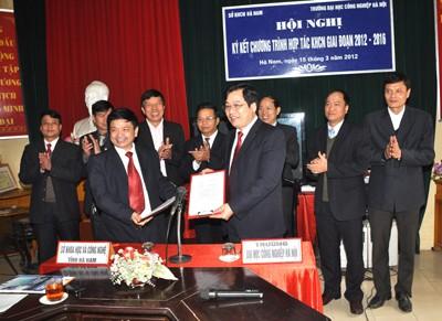 Ký kết thỏa thuận hợp tác khoa học công nghệ và đào tạo giữa trường Đại học Công nghiệp Hà Nội với Sở Khoa học và Công nghệ Tỉnh Hà Nam