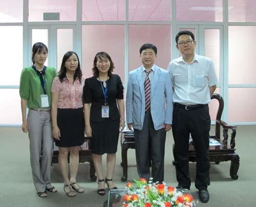 Trưởng phòng kế hoạch trường đại học Kijeon đến thăm và làm việc với trường