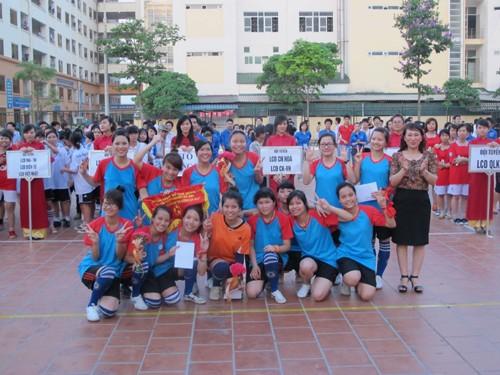 """Chung kết và trao giải bóng đá nữ """"The Queen cup"""" năm 2012"""