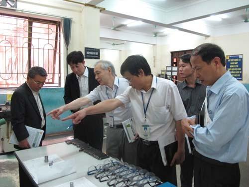 Hiệp hội phát triển doanh nghiệp Yamagata đến thăm và làm việc với trường