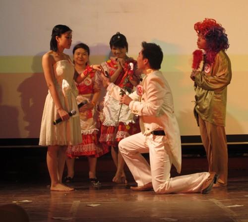 """Chung kết và trao giải cuộc thi """"HSSV yêu thích Tiếng Anh – Let's go 2012"""""""