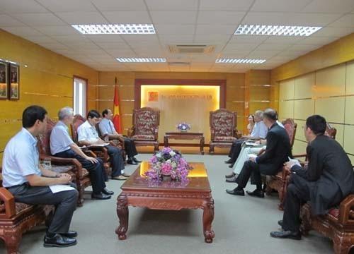 Mr.Arakawa,Vice-President of Japna International Cooperation Agency (JICA) came to visit Hanoi University of Industry