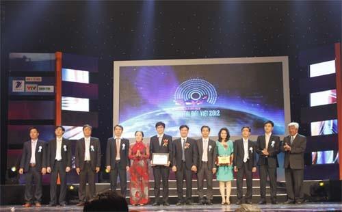 Hệ thống quản lý hoạt động đánh giá kết quả học tập QMC-E.TEST nhận giải thưởng Nhân tài Đất Việt