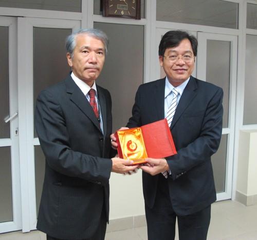 Đoàn cán bộ Công ty Nissan Techno Việt Nam đến thăm và làm việc với trường