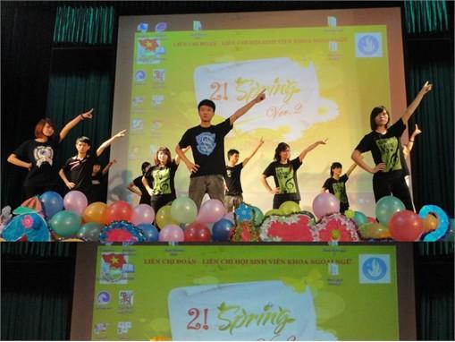"""Gala """"2! SPRING Ver. 2"""" chào mừng tân sinh viên ĐH khóa 7 và mùa xuân 2013"""