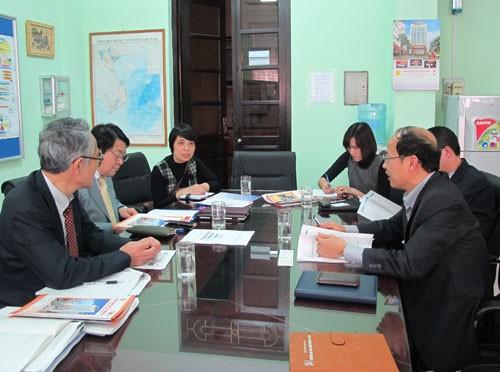 Hiệp hội Kỹ sư chuyên nghiệp Nhật Bản (JPEJ) và đại diện JICA thăm trường
