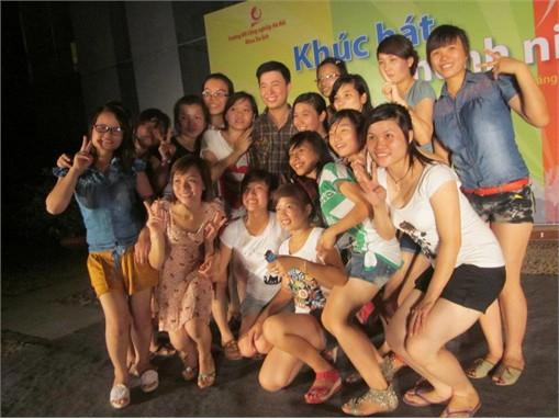 Sinh viên các lớp Khóa 5 học môn Tổ chức sự kiện tại Sơn Nam Plaza-Hưng Yên