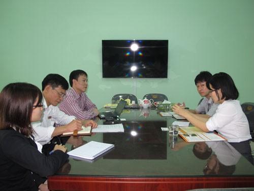 Lãnh đạo Công ty Tokyo Byokane tới thăm và làm việc với nhà trường