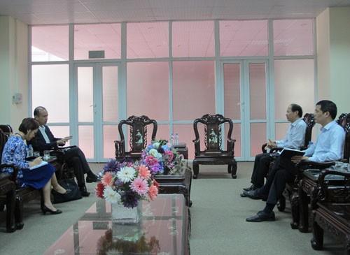 Ông Hayashida cố vấn cao cấp JICA Việt Nam đến thăm và làm việc với trường