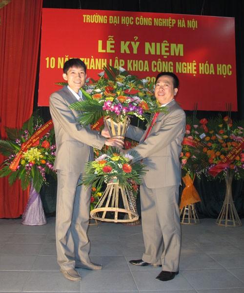 Lễ kỷ niệm 10 năm thành lập khoa Công nghệ Hóa