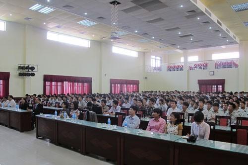 Tổ chức buổi nói chuyện về chính sách và chế độ tuyển dụng của công ty Nissan Techno Việt Nam