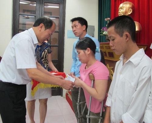 Gặp mặt học sinh-sinh viên khuyết tật đang học tập tại trường