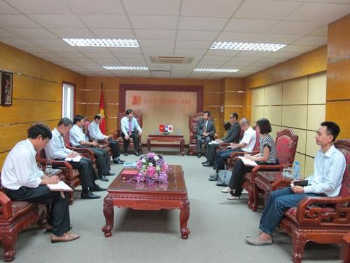 Cố vấn trưởng và chuyên gia JICA đến nhận công tác tại trường