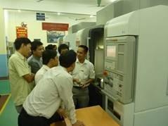 5 giáo viên Đại học Công nghiệp Hà Nội đi đào tạo nâng cao tai Nhật Bản về vận hành máy Trung tâm gia công.