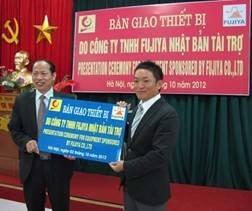 Công ty TNHH Fujiya trao tặng kìm công nghiệp chất lượng cao cho Đại học Công nghiệp Hà Nội