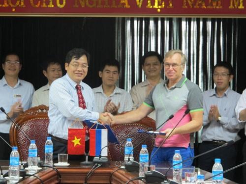 Tiếp Phó Hiệu trưởng trường Đại học Công nghệ Quốc gia Kazan